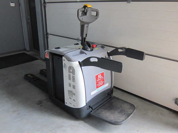 UNICARRIERS  PLP200